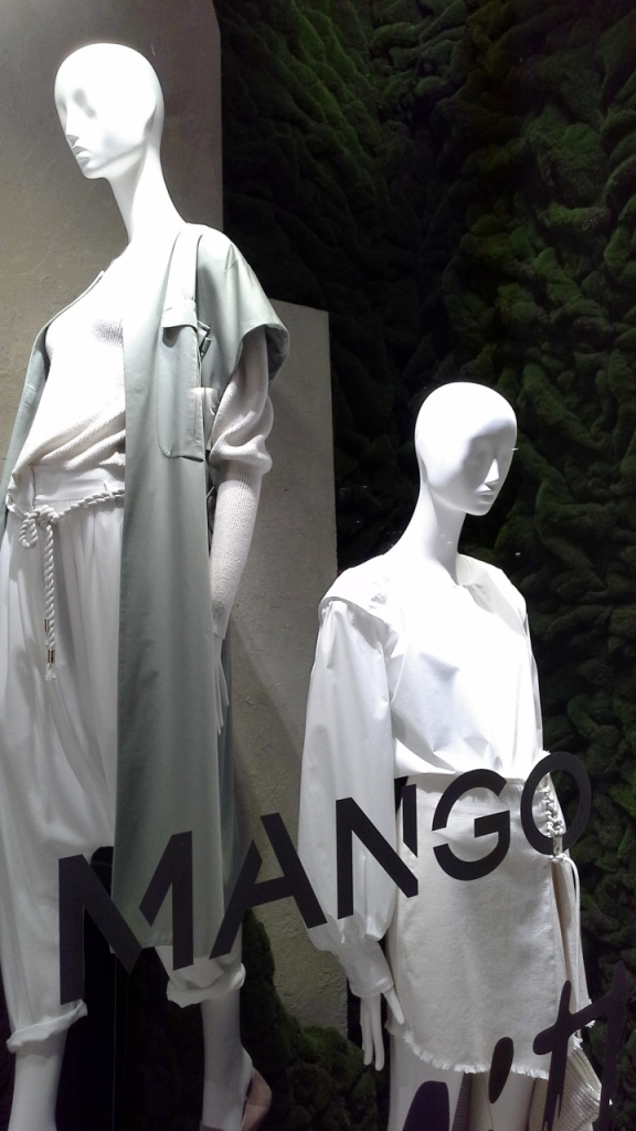 MANGO COMMITTED COLLECTION #escaparatelover #escaparatebarcelona #escaparatismobarcelona #escaparatemadrid #diseño #moda #fashion #teviac #jorditena (6)