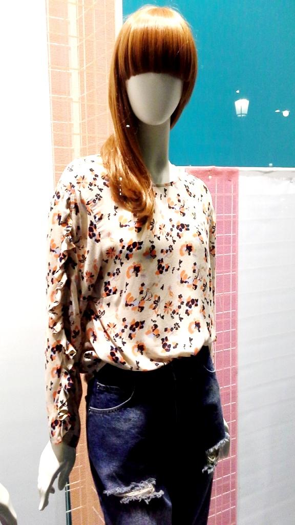 #unitedcolorsofbenetton #escaparatebarcelona #escaparatismobarcelona #vetrina #fashion #moda #personalshopper #windowdresser (4)