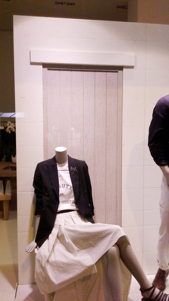 #brunellocucinelli #brunellocucinelliescaparate #escaparatebarcelona #teviac #escaparatelover #influencer #moda #fashionista (10)