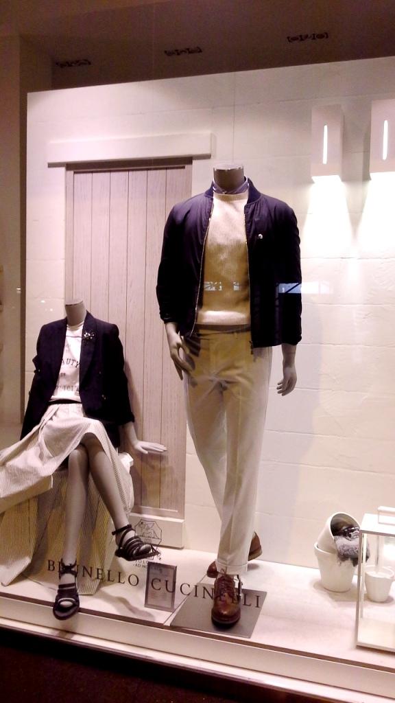 #brunellocucinelli #brunellocucinelliescaparate #escaparatebarcelona #teviac #escaparatelover #influencer #moda #fashionista (11)