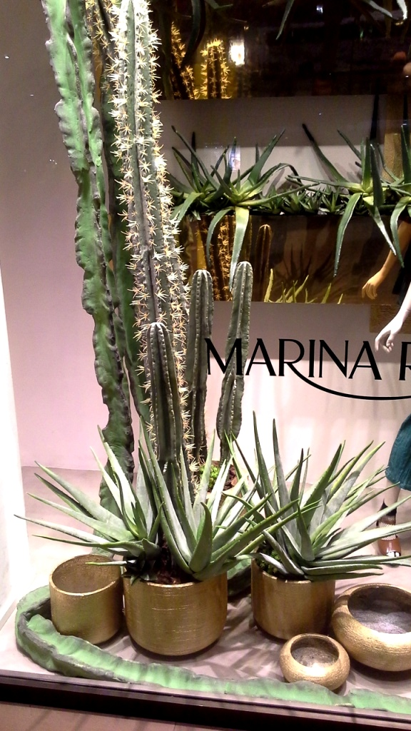 #marinarinaldi #marinarinaldiescaparate #marinarinaldiescaparatismo #escaparatebarcelona #shopping #ecommerce #escaparatelover (2)