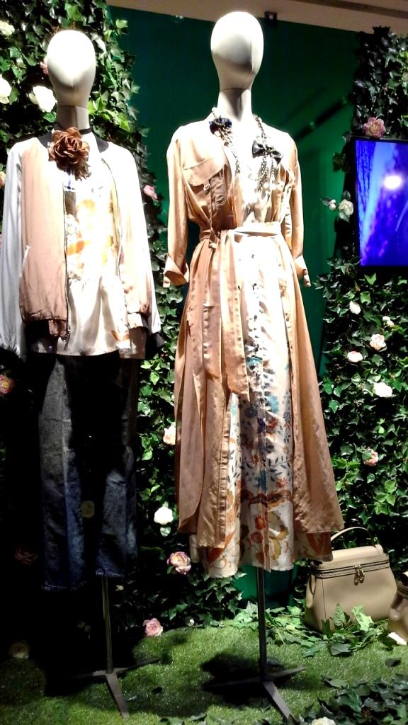 #twinset #twinsetsimonabarbieri #escaparatebarcelona #escaparatismobarcelona #escaparatelover #shopping (7)