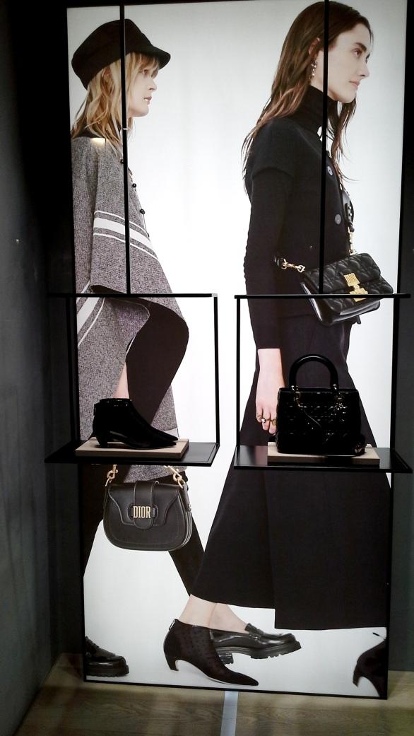 #dior #diorescaparate #magazine #influencar #revistafemenina #digitalmagazine #trend #fashionista #modadior (1)
