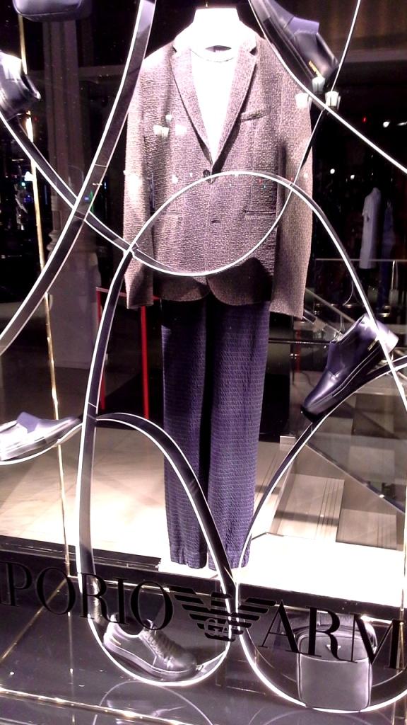 #emporioarmani #emporioarmaniescaparate #madeinartidi #artidi #shop #falgship #trendy #luxe #escaparate #windowdresser (1)