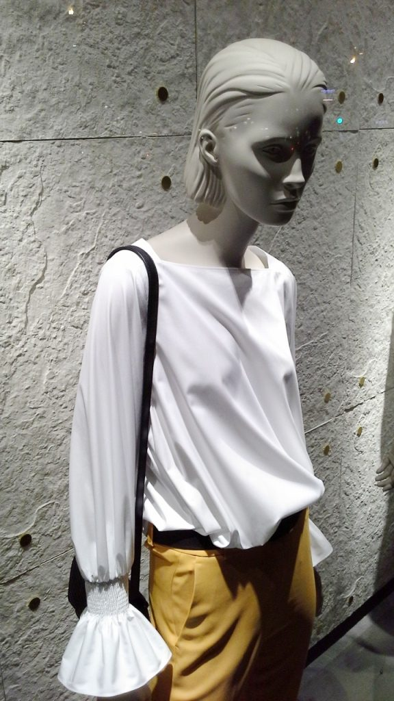 #massimodutti #fashion #barcelona #shopping #moda #trendy #trend #marketing #escaparatebarcelona #comprarmoda (9)