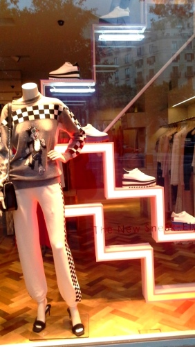 #stellamccartney #escaparate #shopping #fashionbarcelona #modabarcelona #trendy #escaparatelover #influencer (6)