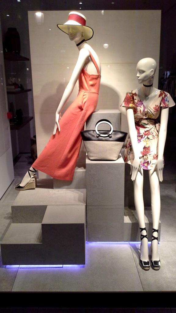#uterque #rebajas #comprarmoda #escaparate #madeinartidi #teviac #escaparatelover #fashion #spainfashion #bcn #trendy #trend #closet #influencer #woman (1)