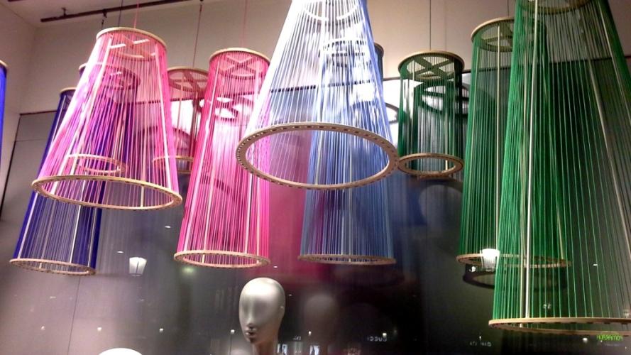 #benetton #unitedcolorsofbenetton #fashion #moda #fashionista #influencers #barcelonaescaparate #circuit #aparador #vetrina #windowdresser (2)