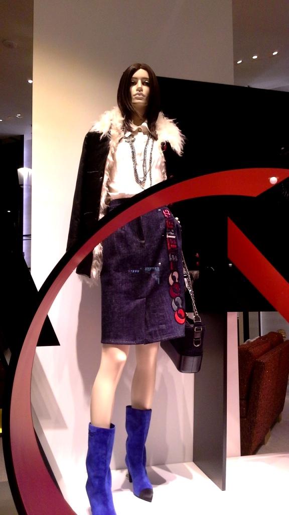 #chanel #chanelbarcelona #barcelona #shopping #moda #trend #fashion #moda #aparador #escaparatechanel #artidi #escaparatelover #teviac (2)