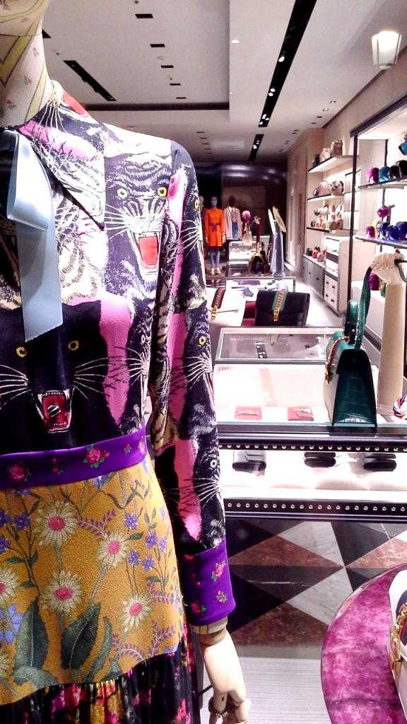#gucci #fashion #moda #escaparate #escaparatebarcelona #instagramfashion (5)