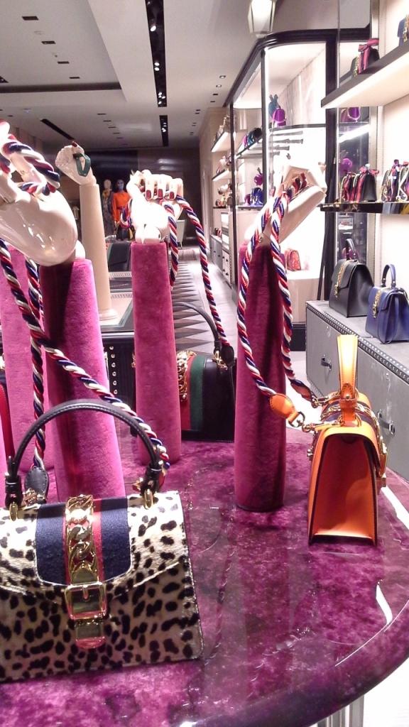 #gucci #fashion #moda #escaparate #escaparatebarcelona #instagramfashion (7)