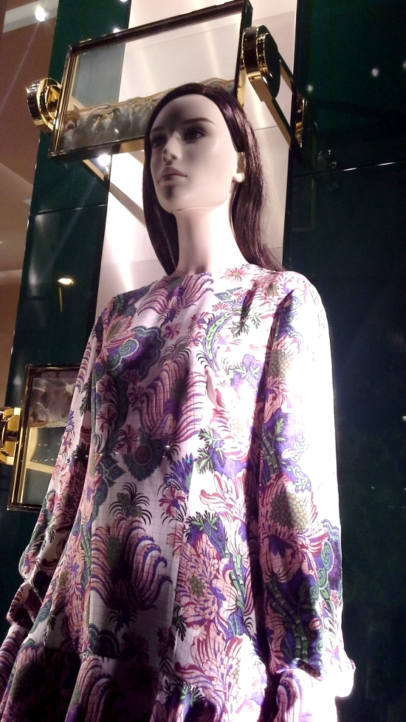 #louisvuitton #louisvuittonbarcelona #louisvuittontrend #escaparate #barcelona #trend #fashion #moda (15)