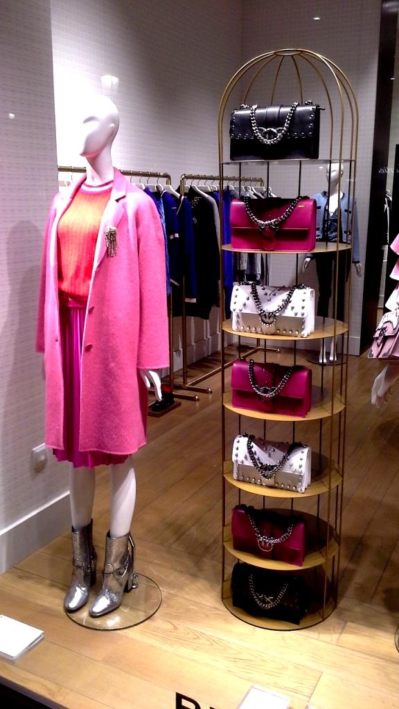 #pinko #pinkobarcelona #pinkospain #pinkoinfluencer #pinkoinsider #influencer #influencerspain #japan #moda #escaparate #tendencia (1)