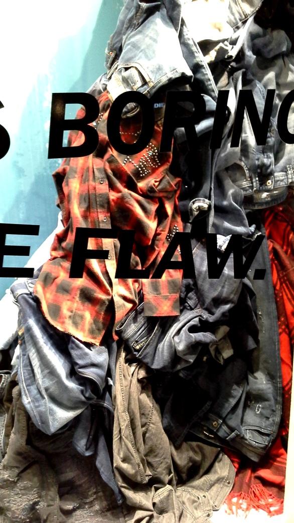 #diesel #dieselbarcelona #escaparatebarcelona #escaparatismobarcelona #vetrina #fashionista #influencer #aparadorbarcelona (3)