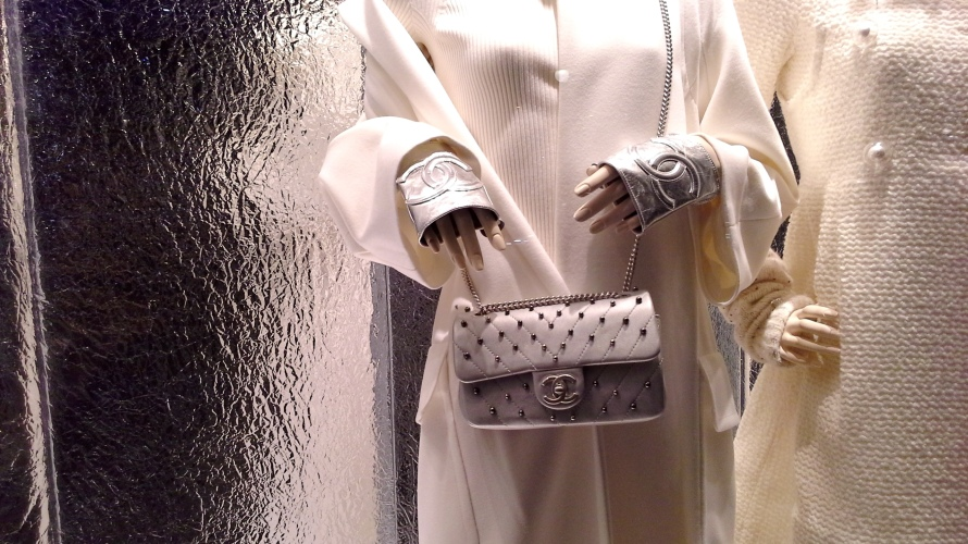 #escaparatechanel #escaparatismochanel #modachanel #trend #trendy #barcelonamoda #fashionista #influencerespaña #vetrina #windowdisplay (13)