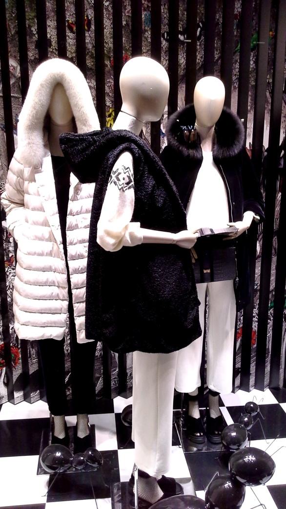 #marinarinaldi #fashionmarinarinaldi #trend #fashionista #luxebarcelona #influencer #vetrina (1)