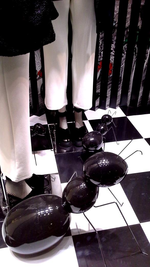 #marinarinaldi #fashionmarinarinaldi #trend #fashionista #luxebarcelona #influencer #vetrina (2)