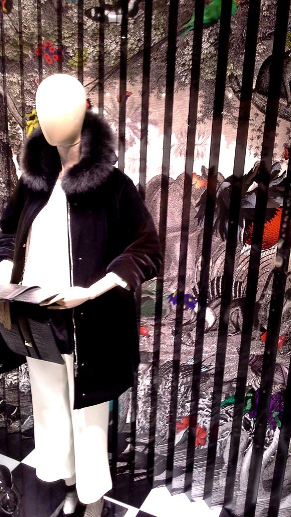 #marinarinaldi #fashionmarinarinaldi #trend #fashionista #luxebarcelona #influencer #vetrina (4)