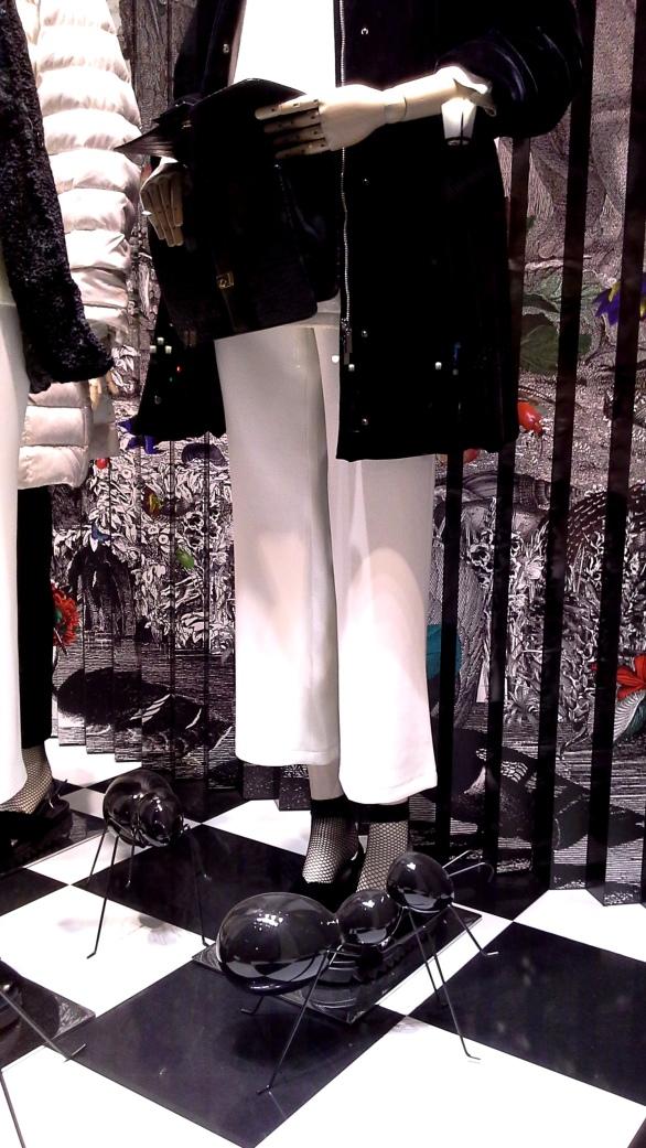 #marinarinaldi #fashionmarinarinaldi #trend #fashionista #luxebarcelona #influencer #vetrina (7)
