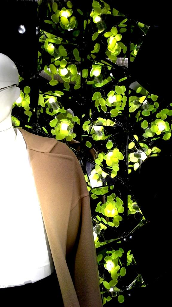 #santaeulalia #santaeulaliaescaparate #escaparatismobarcelona #escaparateespaña #comprarmoda #marketingmoda #socialmedia #vetrinamoda #pasarelamoda #fashion (4)