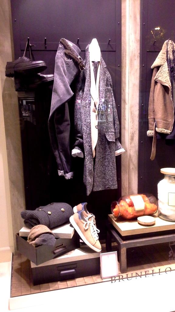 #brunellocucinelli #escaparatebrunellocucinelli #escaparatebarcelona #tsnb #fashion #influencer #trendsetter #moda #aparador #tendencia (2)