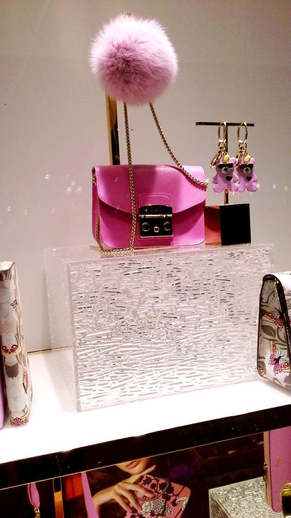#furla #furlabarcelona #accesorios #luxe #moda #fashiongram #fashionista #teviac #escaparatelover #paseodegracia #tsnb #trendy (4)