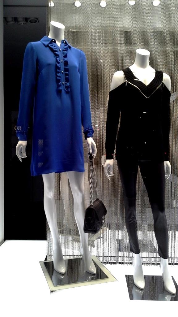 #michaelkors #trendy #teviac #escaparatelover #tendencia #must #shopping #luxe #windowdresser #escaparatismo #escaparatelover (5)