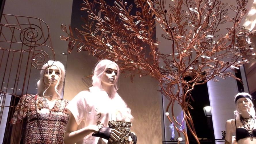 #chanel #chanelbarcelona #chanelescaparate #escaparatelover #christmas #christmasbarcelona #nadal #moda #modanavidad #teviac (2)