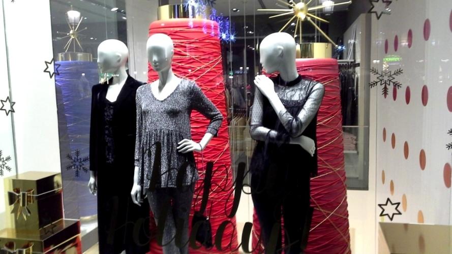#escaparatedebenetton #tendencia2018 #shopping #personalshopper #teviac #influencer #fashiongram #moda #escaparatelover #vetrina (5)