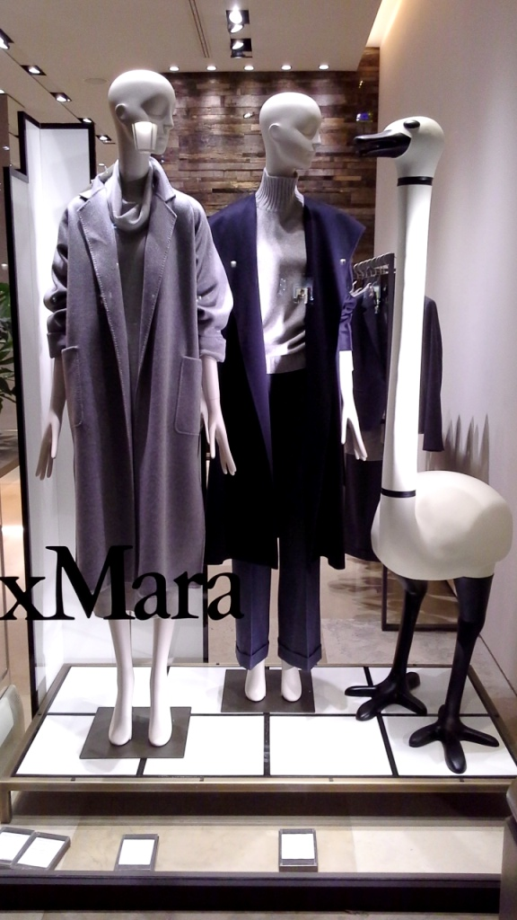 #maxmara #fashion #moda #escaparatedemaxmara #tendencia #shopmaxmara #novedadesmaxmara #teviac #jorditena #escaparatelover (1)