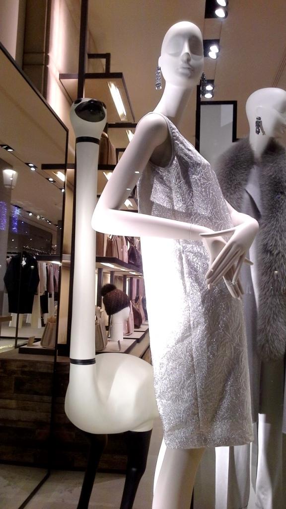 #maxmara #fashion #moda #escaparatedemaxmara #tendencia #shopmaxmara #novedadesmaxmara #teviac #jorditena #escaparatelover (7)
