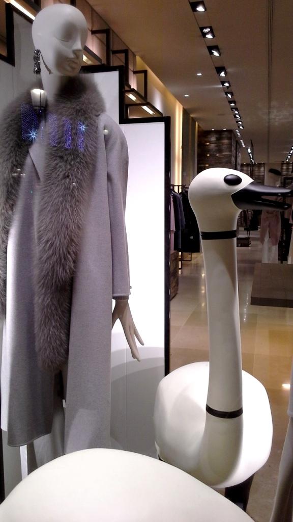 #maxmara #fashion #moda #escaparatedemaxmara #tendencia #shopmaxmara #novedadesmaxmara #teviac #jorditena #escaparatelover (9)