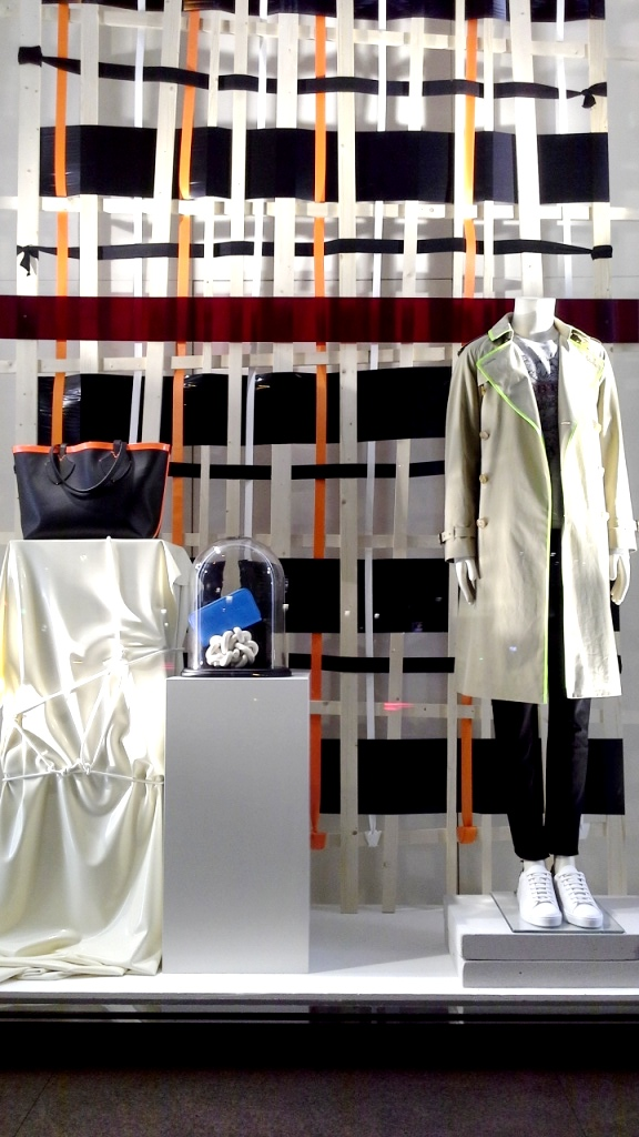 #burberry #burberryescaparate #fashionista #fashionblogger #fashionstyle #fashionpost #fashionaddict #fashionlover #style #teviac (10)