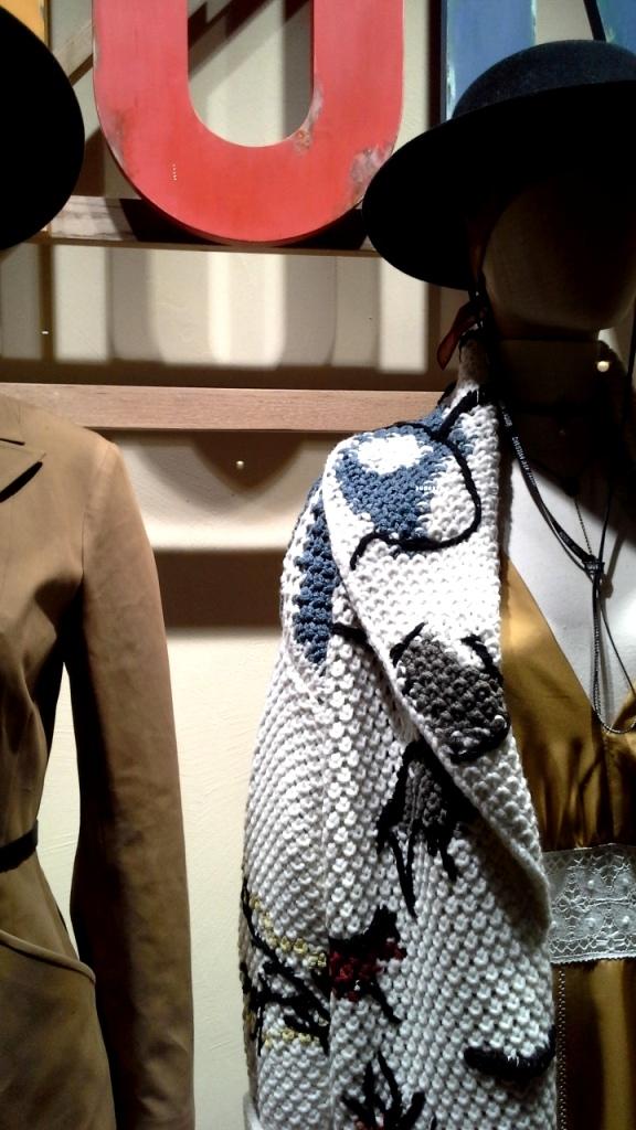#dior #diortrend #comprarmoda #moda #fashionblogger #escaparate #escaparatismo #barcelona #teviac #escaparatelover #luxe #exclusivo #escaparatebarcelona (4)