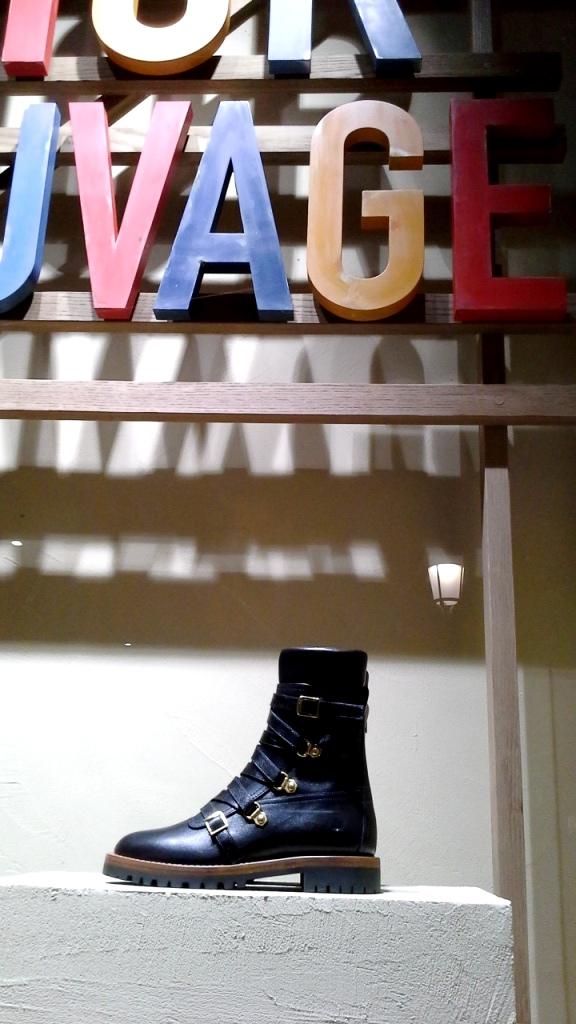 #dior #diortrend #comprarmoda #moda #fashionblogger #escaparate #escaparatismo #barcelona #teviac #escaparatelover #luxe #exclusivo #escaparatebarcelona (7)