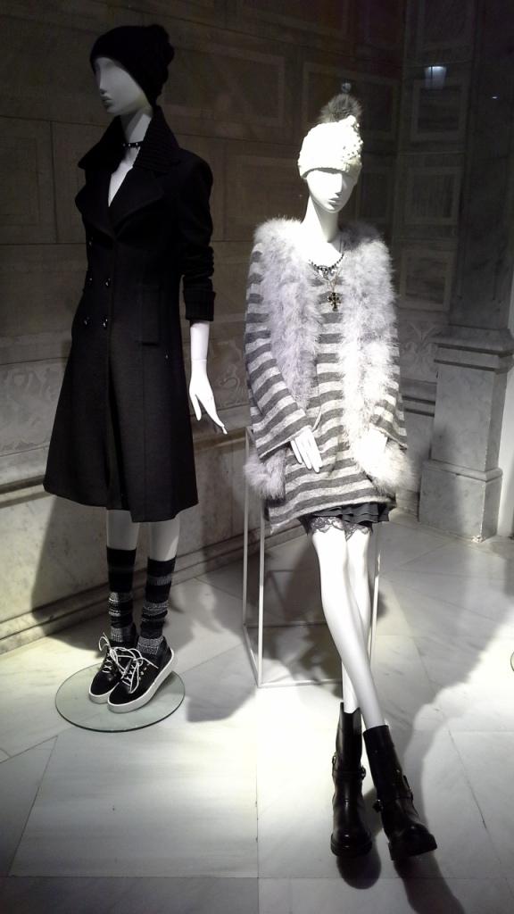 #escaparatebarcelona #escaparatismo #moda #fashion #vetrina #barcelona #trend #teviac #escaparatelover (3)