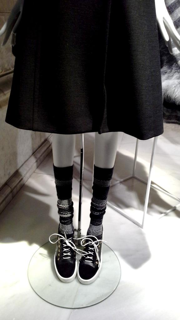 #escaparatebarcelona #escaparatismo #moda #fashion #vetrina #barcelona #trend #teviac #escaparatelover (5)
