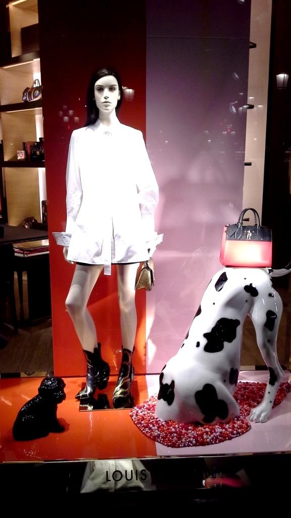 #louisvuitton #louisvuitton barcelona #fashionpost #fashionaddict #luxe #trend #fashion (1)