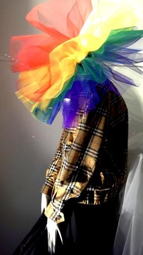#burberry #burberryarcoiris #fashion #escaparatebarcelona #estudiarescaparatismo #masterescaparatismo #visualmerchandising #escaparate #vetrina #teviac #escaparatelover (1 (3)