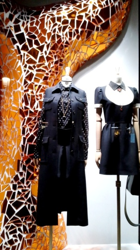 #fashion #dior #diorspain #shop #moda #tendencia #novedadesdior #windowstore #visualmerchandiser #teviac #jorditena #escaparatelover (7)