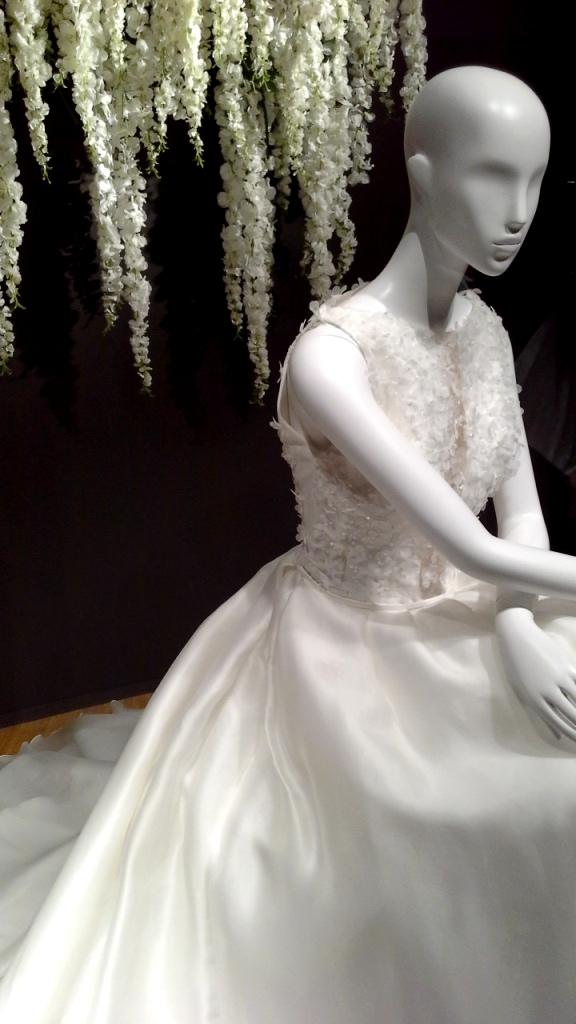 #manugarcia #hanniballaguna #escaparatebarcelona #escaparatismobarcelona #moda #vestidonovia #vestidodefiesta #boda #weddingplanner #escaparatismo #vetrina #fashion (6)
