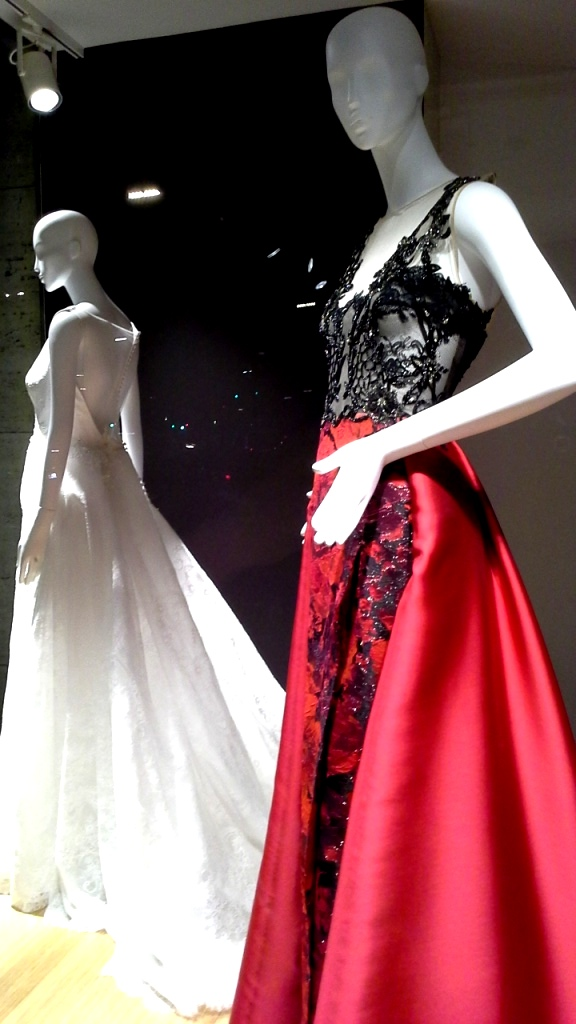 #manugarcia #hanniballaguna #escaparatebarcelona #escaparatismobarcelona #moda #vestidonovia #vestidodefiesta #boda #weddingplanner #escaparatismo #vetrina #fashion (8)