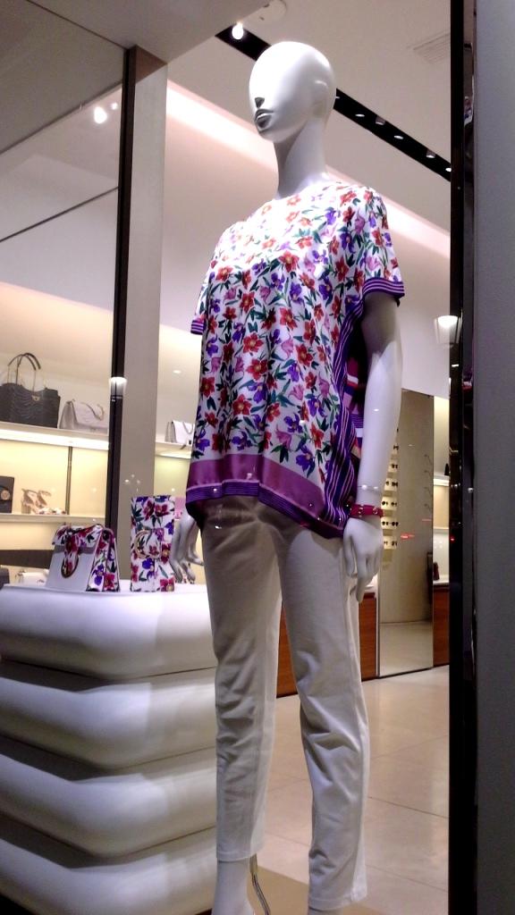 #salvatoreferragamo #salvatoreferragamobarcelona #escaparatebarcelona #escaparatismobarcelona #trend #moda #fashion #fashionista #teviac #escaparatelover (1)