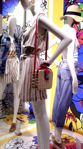 #shopstradivarius #stradivarius #novedades #stradivariusbarcelona #flagship (4)