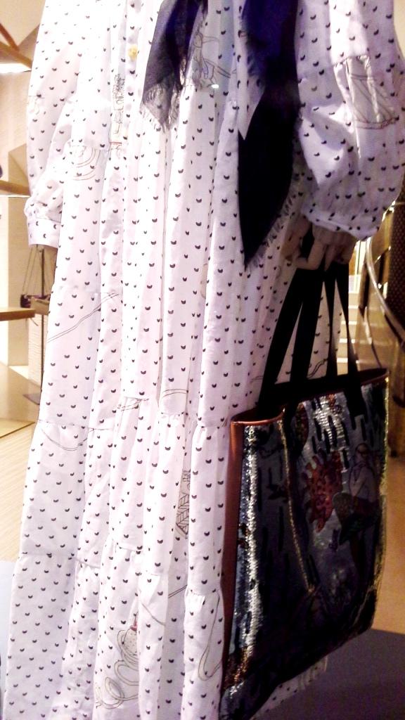 #loewe #teviac #escaparate #vetrina #moda #barcelona #influencer #shop #trend #instafashion (11)