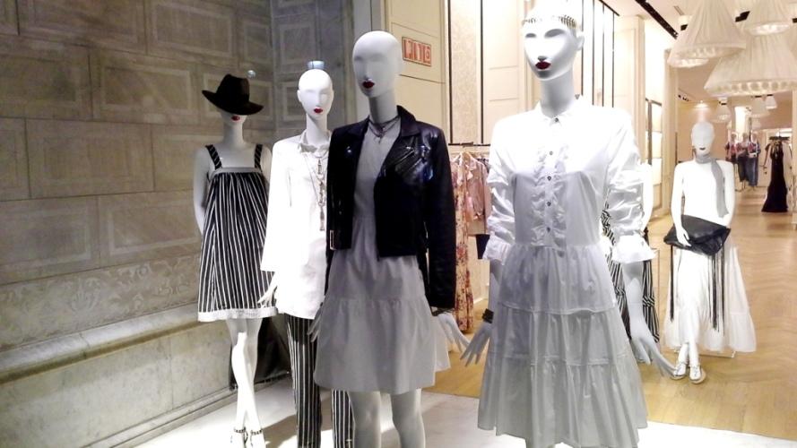 #twinset #simonabarbieri #escaparate #vetrina #escaparatismo #barcelona #shop #moda #vetrina (1)