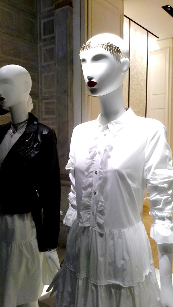 #twinset #simonabarbieri #escaparate #vetrina #escaparatismo #barcelona #shop #moda #vetrina (3)