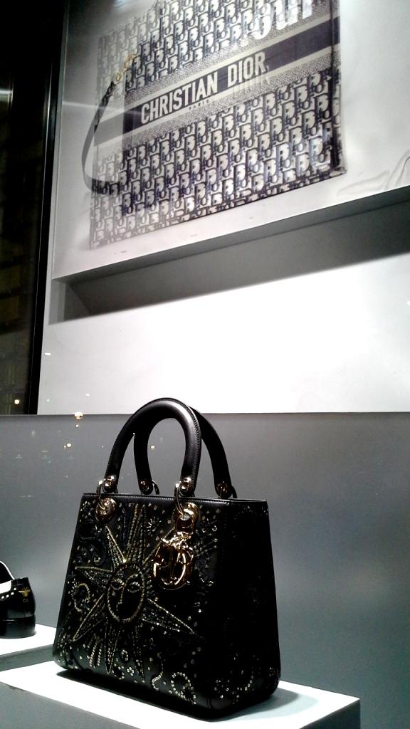 #dior #diorespana #diorspain #shopdior #luxe #diorpaseodegracia #teviac #jorditena #diortrend (4)