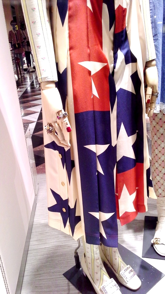 #gucci #guccibarcelona #shop #luxe #escaparatebarcelona #escaparatismobarcelona (6)