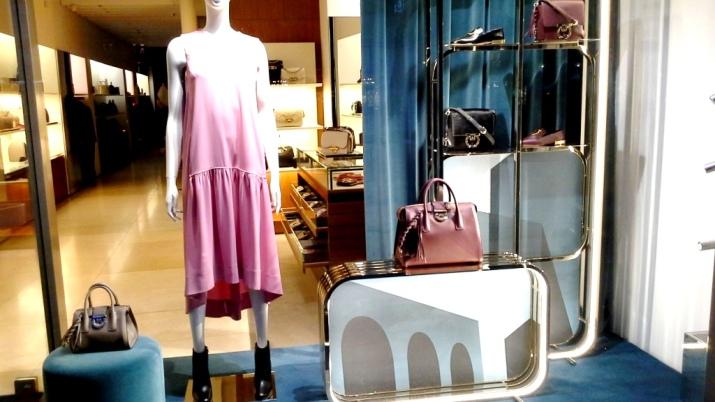 #salvatoreferragamo #paseodegracia #barcelona #salvatorefarregamovetrina #shop #moda (1)